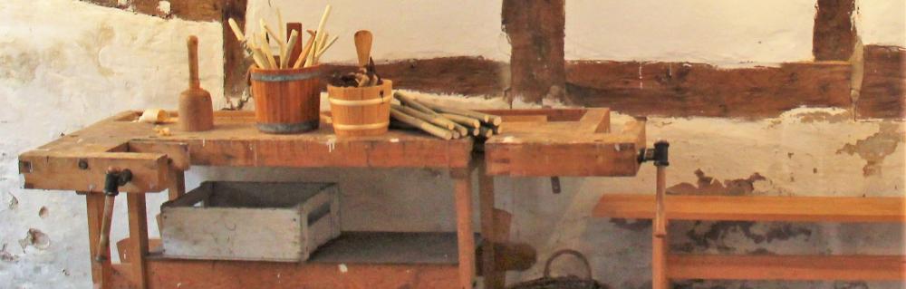 Foto af gammel høvlebænk fra 1800 tallet