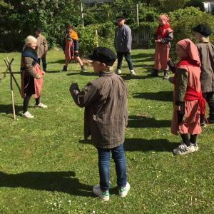 Elever leger gamle lege fra 1800- tallet